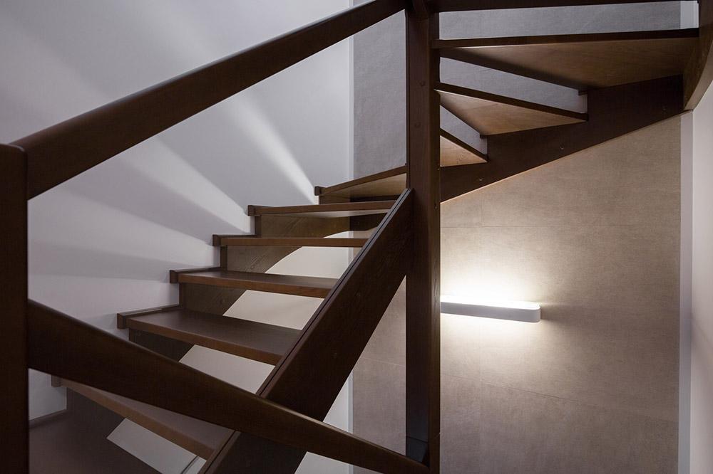treppen aus polen gefertigt nach handwerkstradition baufirmen aus. Black Bedroom Furniture Sets. Home Design Ideas